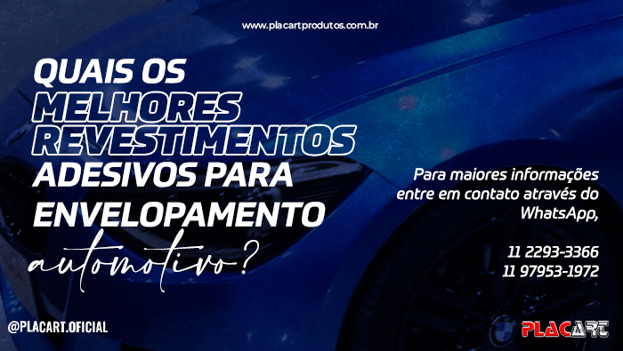 A imagem mostra um carro com envelopamento azul brilhoso.